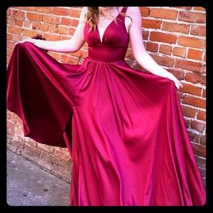 Beautiful silky gown size 2
